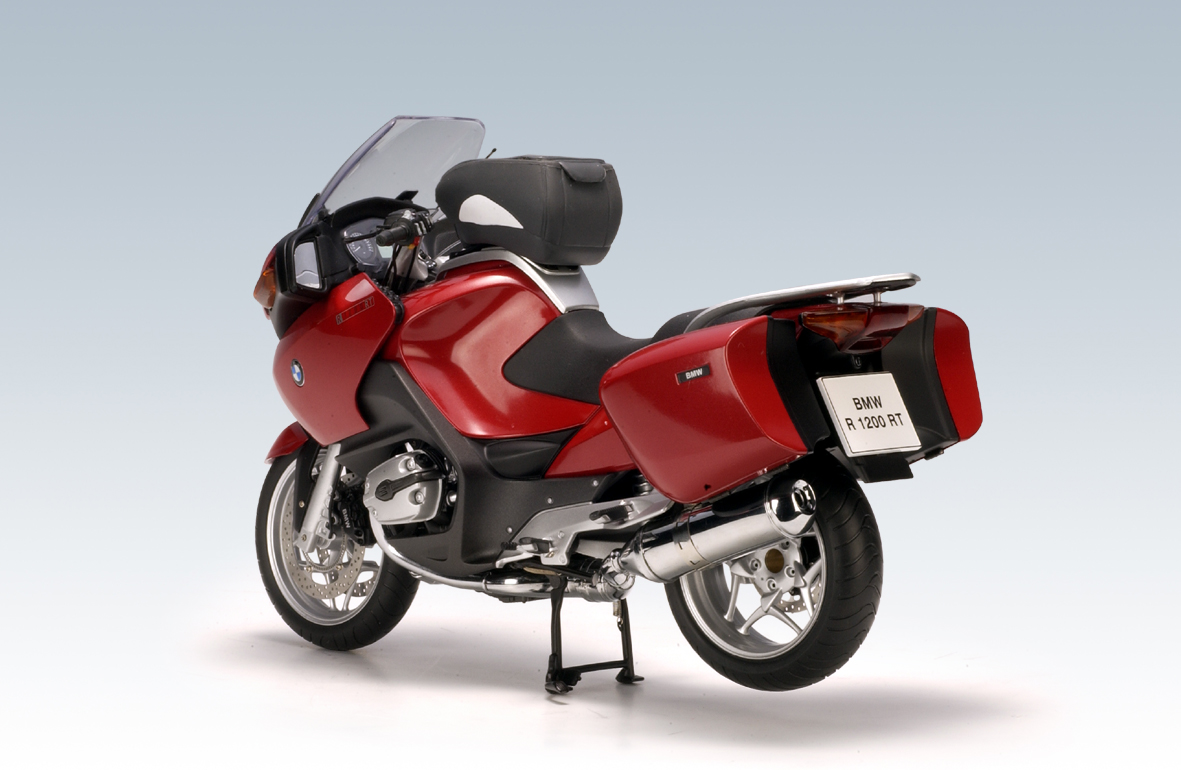autoart bmw r1200 rt k26 red 10002 in 1 10 scale mdiecast. Black Bedroom Furniture Sets. Home Design Ideas