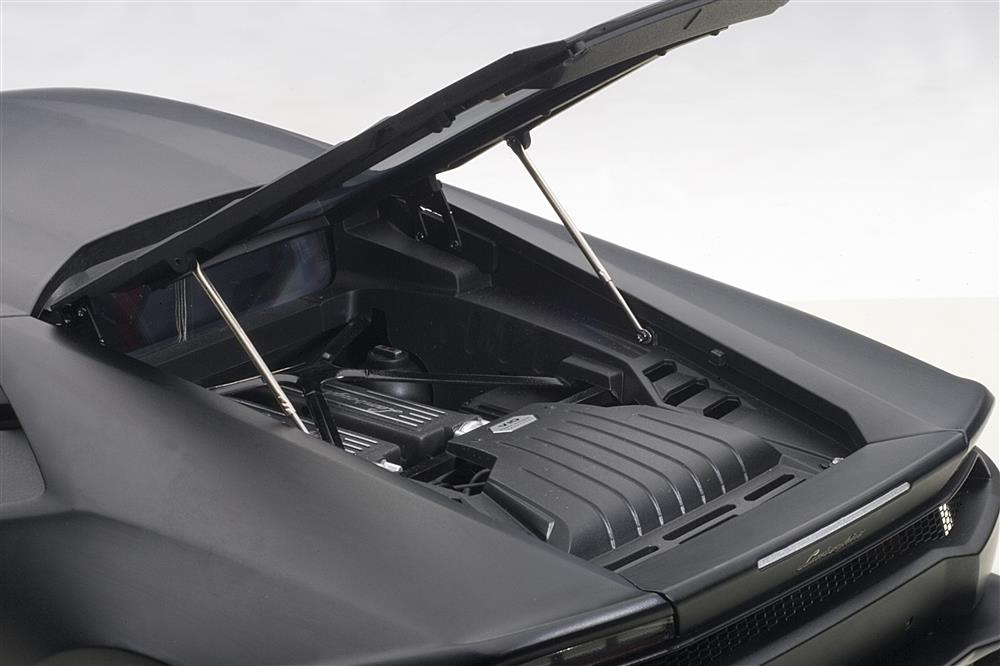 AUTOart: Lamborghini Huracan LP610-4 - Matt Black (12096) in 1:12 scale