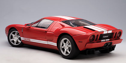 Autoart Ford Gt Red W White Stripe