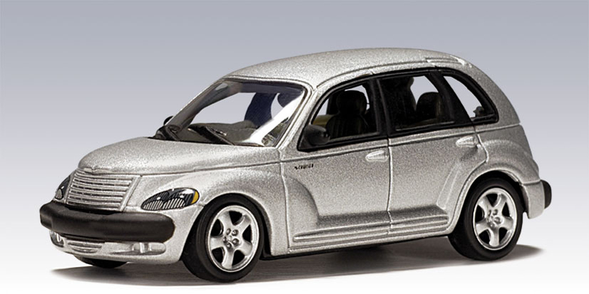 AUTOart: 2001 Chrysler PT Cruiser - Silver (20061) in 1:64 scale