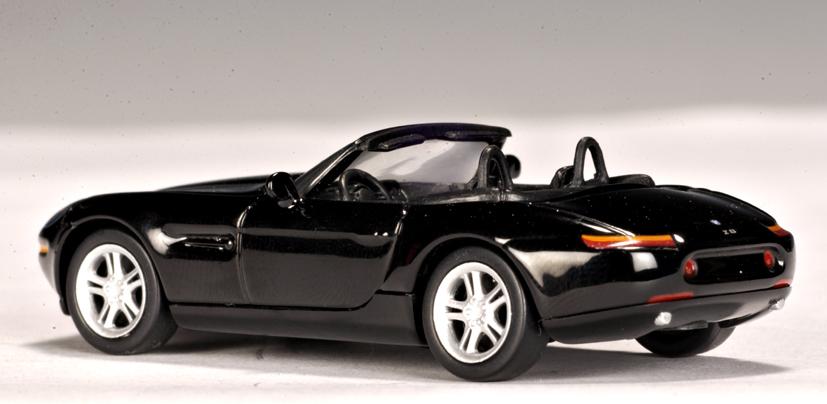 Autoart Bmw Z8 Black 20083 In 1 64 Scale Mdiecast