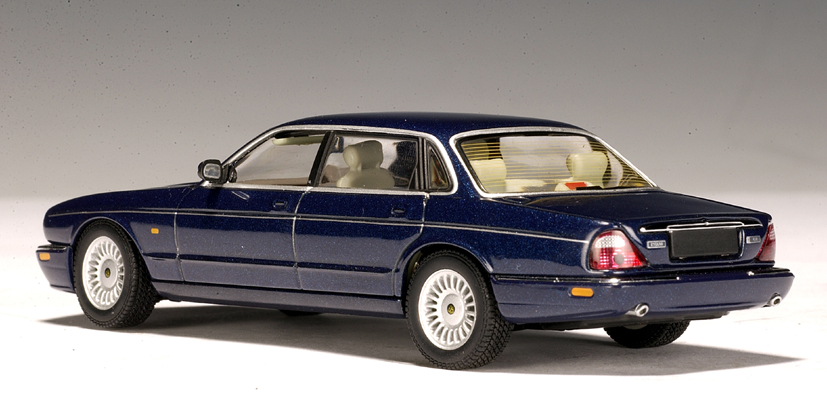 M Jaguar Xj AUTOart: Jaguar XJ8 - ...
