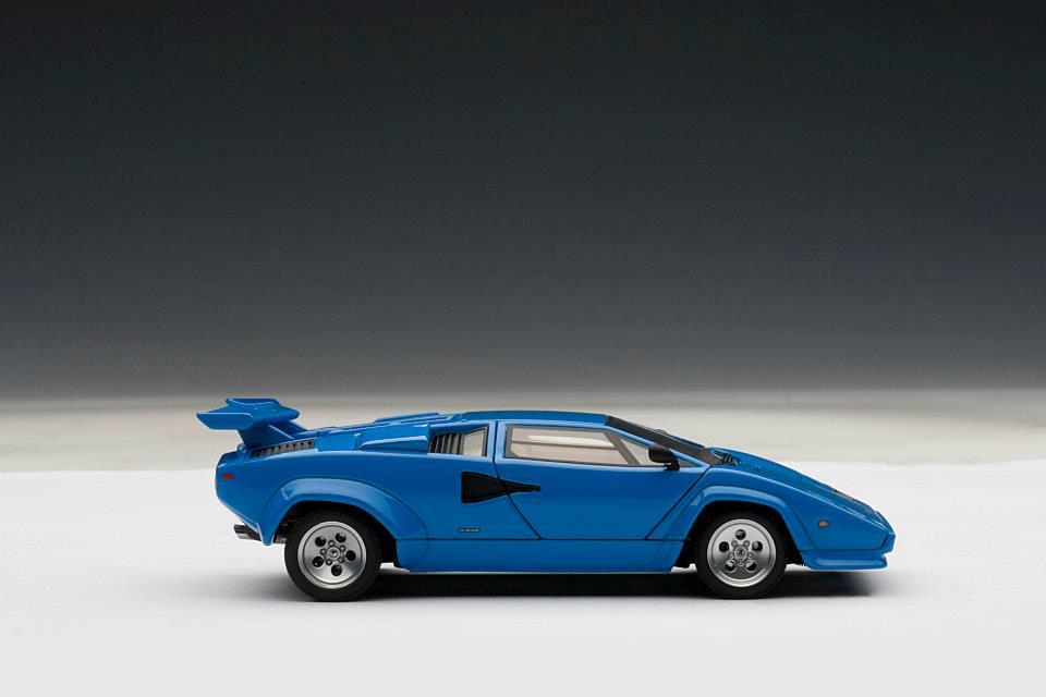 Autoart Lamborghini Countach 5000 S Blue 54534 In 1
