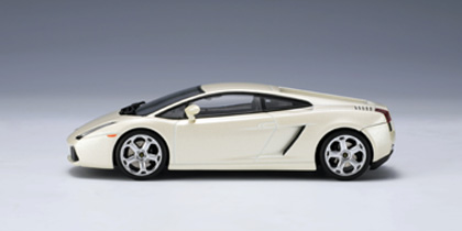 AUTOart: Lamborghini Gallardo - Balloon White (54564) in 1:43 scale