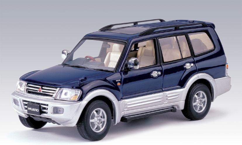 AUTOart: 1999 Mitsubishi Pajero LWB - Blue (57101) in 1:43 scale - mDiecast