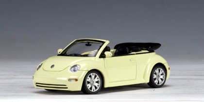 AUTOart: Volkswagen New Beetle Cabriolet - Mellow Yellow (59754) in 1:43 scale - mDiecast