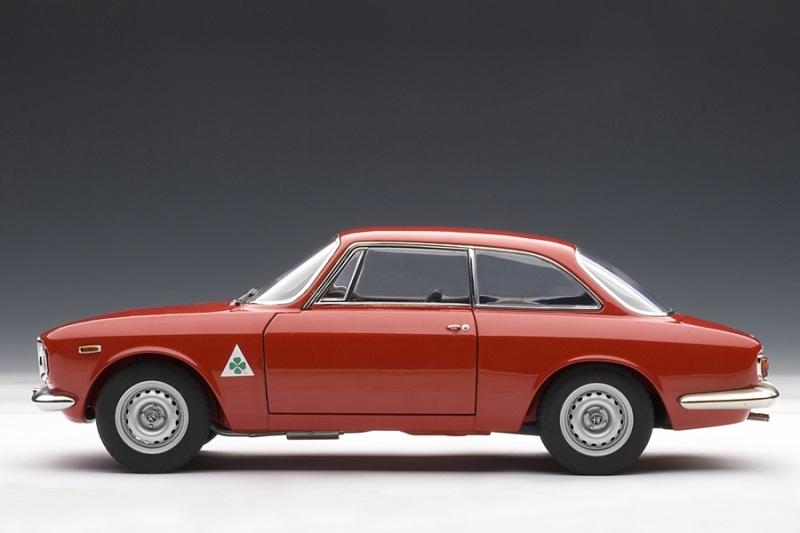 Alfa romeo giulia toy car 10