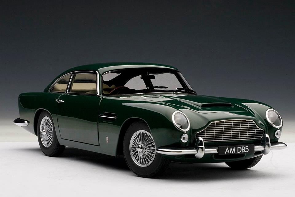 AUTOart: Aston Martin DB5 - Green (70212) in 1:18 scale