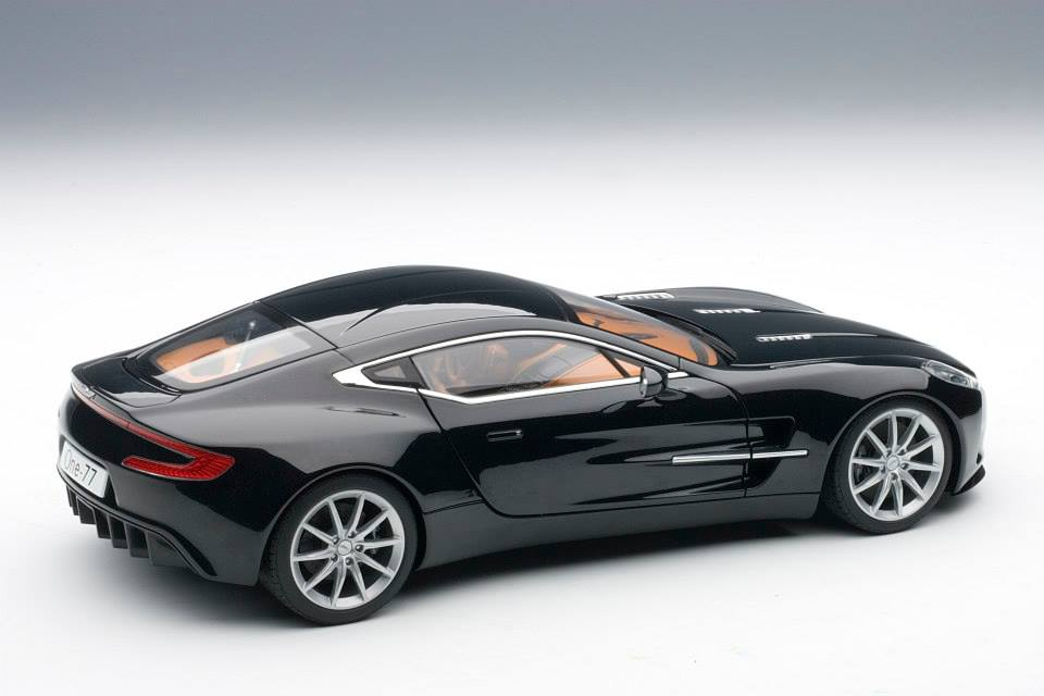 AUTOart: 2009 Aston Martin One-77 - Black Pearl (70241) in ...