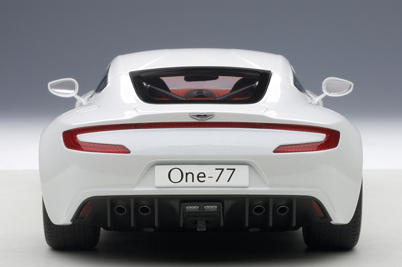 AUTOart: 2009 Aston Martin One-77 - Morning Frost White (70244) in 1:18 scale