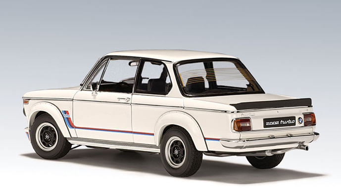 AUTOart: 1973 BMW 2002 Turbo - White (70501) in 1:18 scale - mDiecast