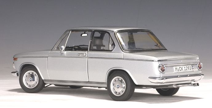 autoart bmw 2002 ti polarissilver 70507 in 1 18 scale mdiecast. Black Bedroom Furniture Sets. Home Design Ideas