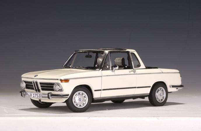 Autoart Bmw 2002 Baur Cabriolet Chamonixwhite 70532