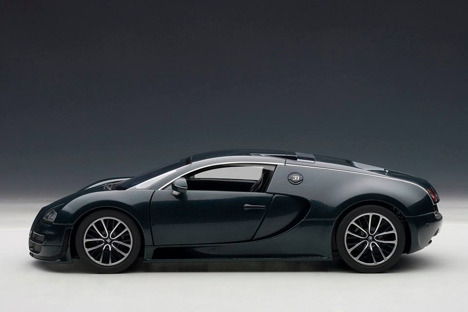 autoart bugatti veyron super sport dark blue 70938 in 1 18 scale mdiecast. Black Bedroom Furniture Sets. Home Design Ideas
