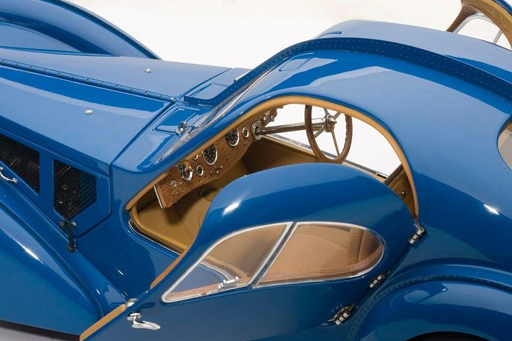 AUTOart: 1936 Bugatti Atlantic 57S - Blue w/ Spoked Wheels (70942) в 1:18 масштабе