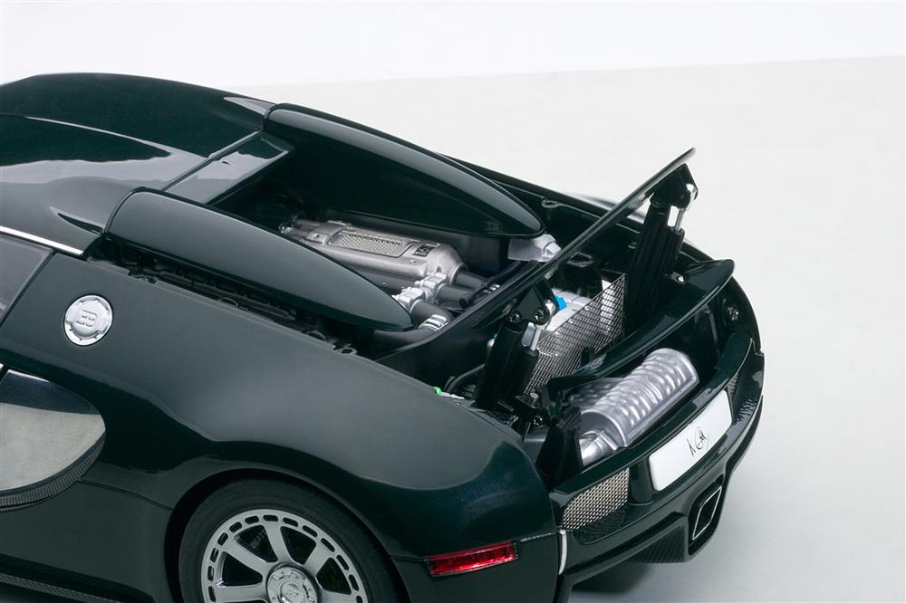 AUTOart: 2009 Bugatti EB Veyron 16.4 L'Edition Centenaire - Racing Green (70958) in 1:18 scale