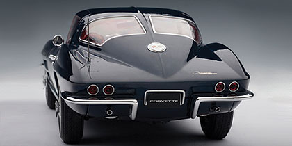 AUTOart: 1963 Chevrolet Corvette Coupe - Daytona Blue (71181) in 1:18 scale