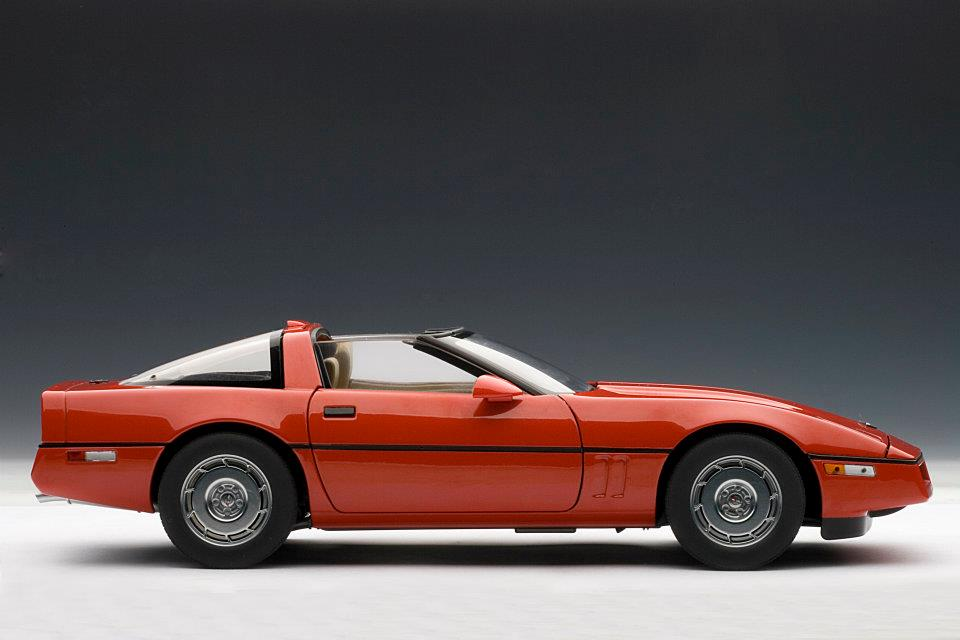 AUTOart: 1986 Chevrolet Corvette - Red (71241) in 1:18 scale