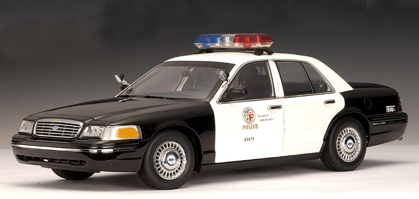 autoart ford crown victoria police car lapd 72701 in 1 18 scale mdiecast. Black Bedroom Furniture Sets. Home Design Ideas
