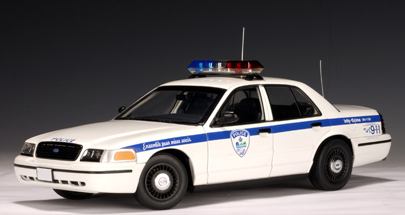 AUTOart: Ford Crown Victoria Police Car Montreal of Canada (72705) in 1:18 scale - mDiecast