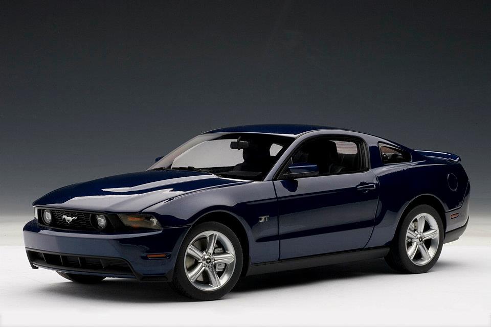 AUTOart: 2010 Ford Mustang GT - Kona Blue Metallic (72912) in 1:18 scale - mDiecast
