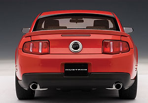AUTOart: 2010 Ford Mustang GT - Torch Red (72913) im 1:18 maßstab