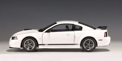1/18 autoart ford mustang mach1 white