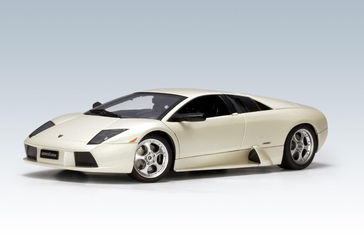 Autoart 2001 Lamborghini Murcielago Balloon White 74516 In 1 18 Scale Mdiecast