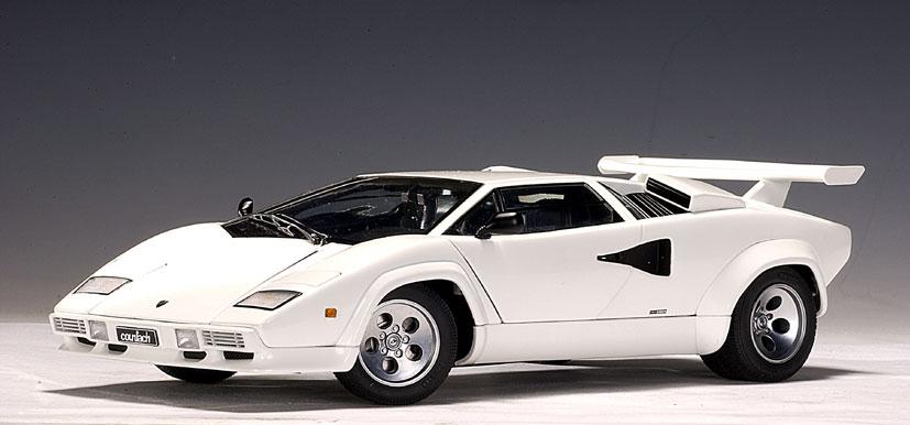 Autoart Lamborghini Countach 5000 S White 74532 In 1