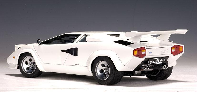 Autoart Lamborghini Countach 5000 S White 74532 In 1 18 Scale Mdiecast