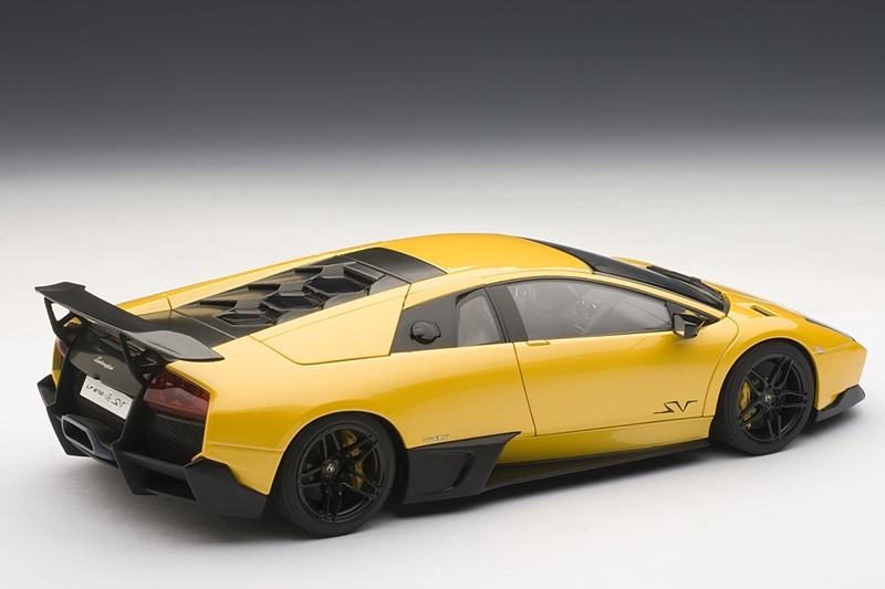 AUTOart: 2009 Lamborghini Murcielago LP670-4 - Giallo Evros/Yellow (74616) in 1:18 scale