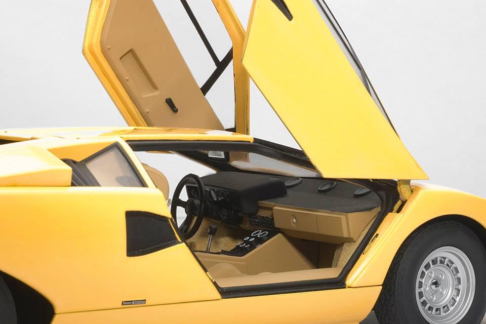 autoart lamborghini countach lp400 yellow 74646 in 1. Black Bedroom Furniture Sets. Home Design Ideas