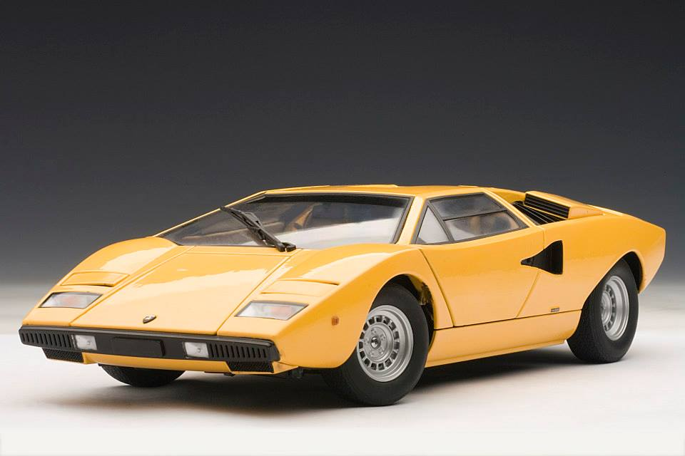 autoart lamborghini countach lp400 yellow 74646 in 1 18 scale mdiecast. Black Bedroom Furniture Sets. Home Design Ideas