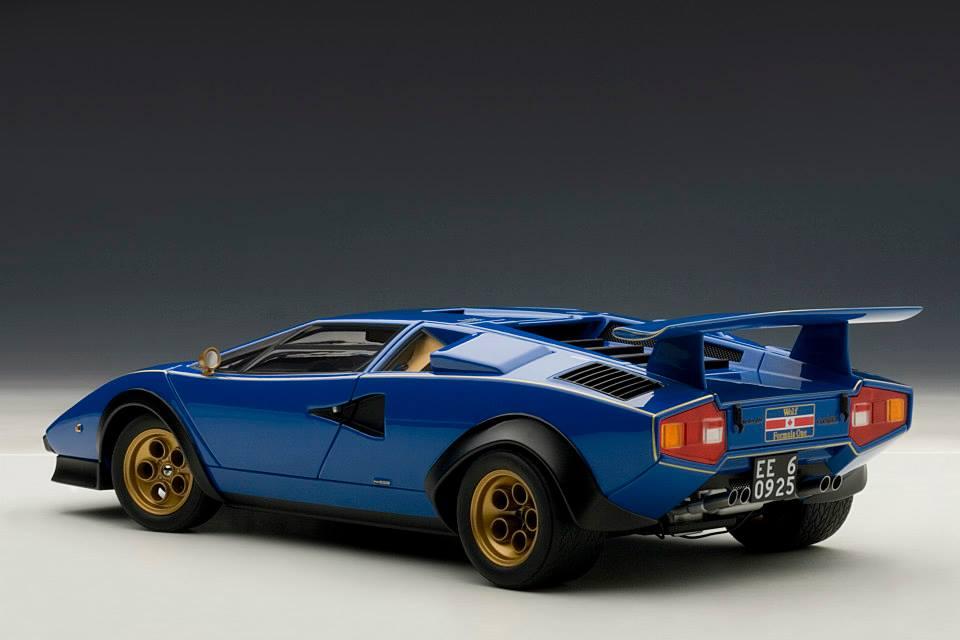 Autoart Lamborghini Countach Lp500s Walter Wolf Edition Blue 74652 In 1 18 Scale Mdiecast