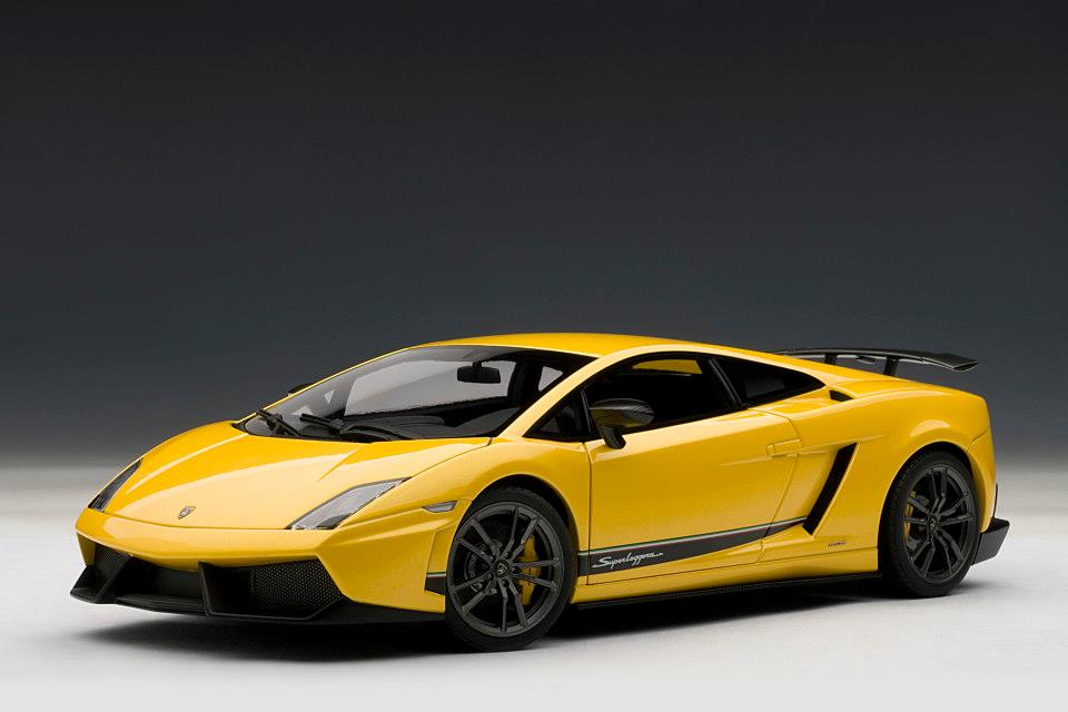 Lambo Murci Sv X besides Lamborghini Gallardo Lp Gold Edition Wallpaper Hd also Lamborghini Gallardo Squadra Corsa Designboom together with Hqdefault further Lamborghini Gallardo Lp Superleggera. on lamborghini gallardo lp 570 4
