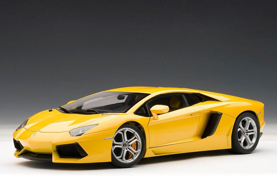Autoart Lamborghini Aventador Lp700 4 Giallo Orion