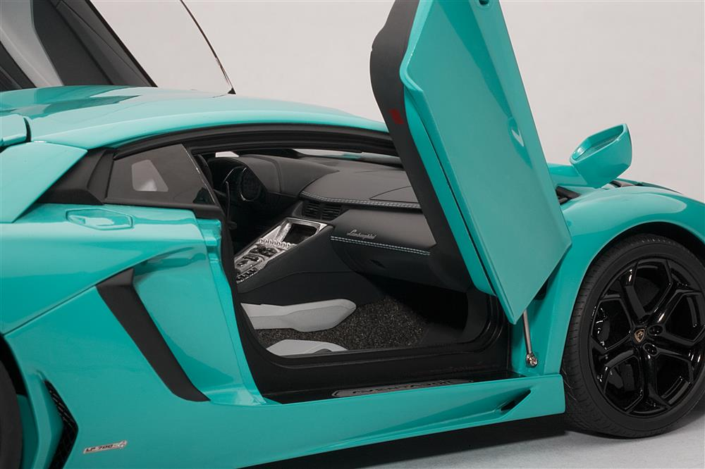 Autoart Lamborghini Aventador Lp700 4 Turquoise Blue