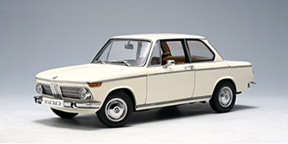 Autoart Bmw 1600 2 Chamonix White 75021 In 1 18 Scale