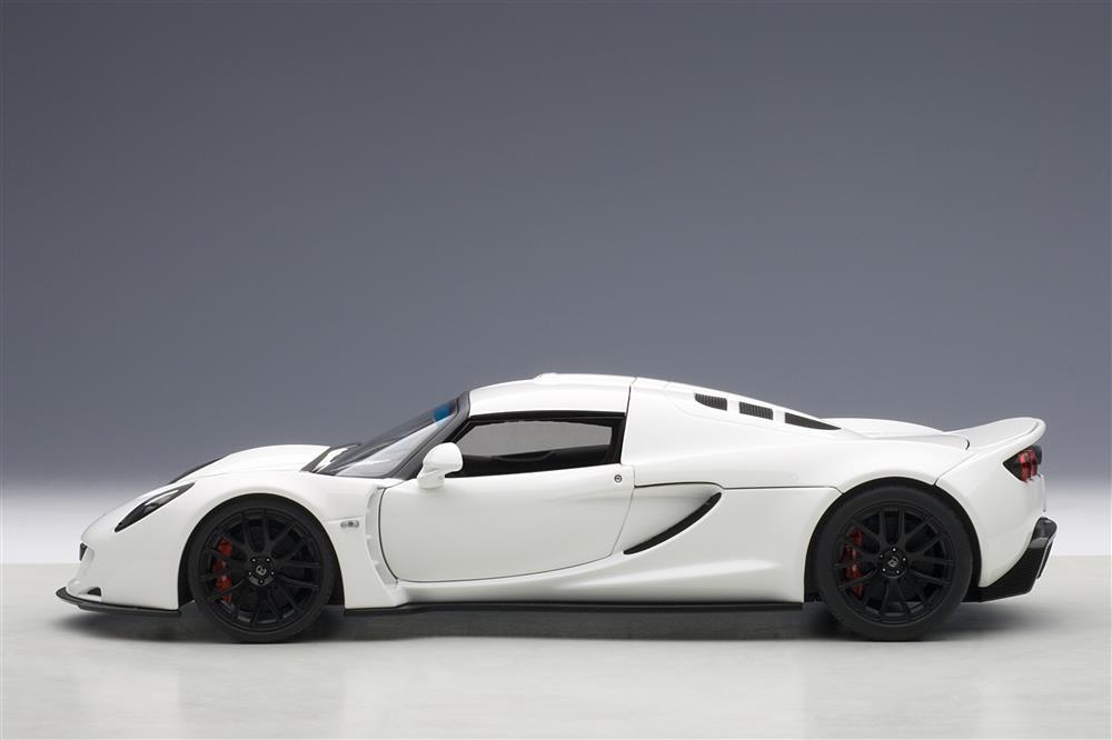 Venom Gt Price >> AUTOart: 2010 Hennessey Venom GT Spyder - White (75404) in 1:18 scale - mDiecast