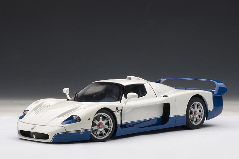 AUTOart: Maserati MC12 - Pearl White (75801) in 1:18 scale ...