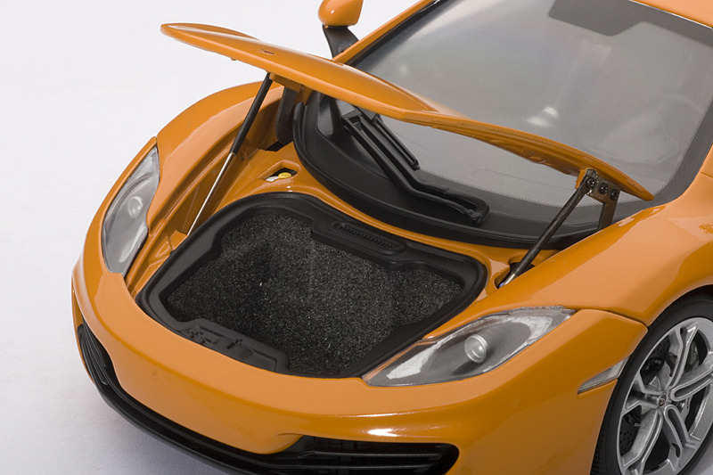 AUTOart: McLaren MP4-12C - Orange (76006) in 1:18 scale