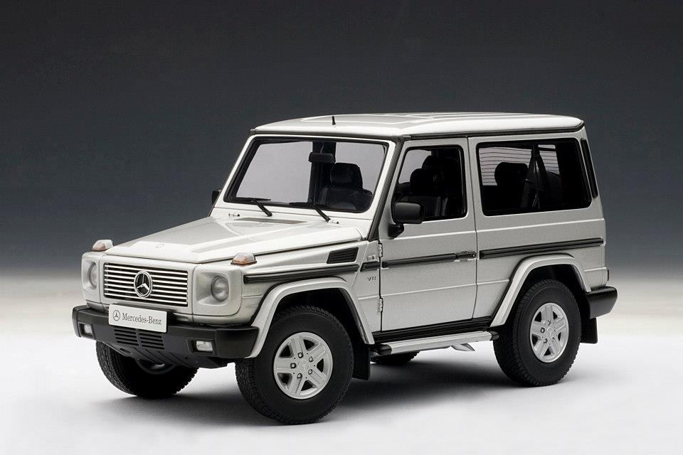 Autoart mercedes benz g model swb silver 76112 in 1 for Mercedes benz support number