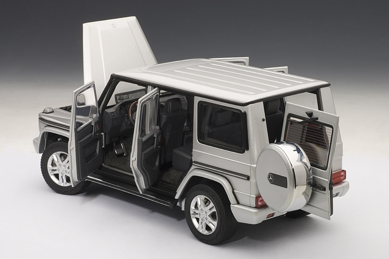autoart 2012 mercedes benz g500 silver 76217 in 1 18 scale mdiecast. Black Bedroom Furniture Sets. Home Design Ideas