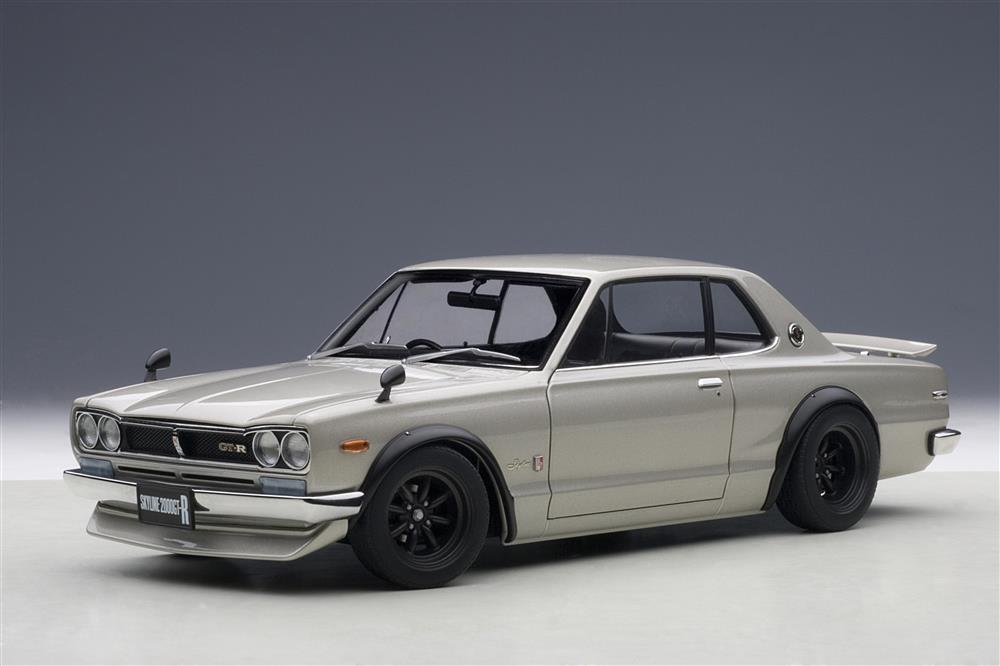 AUTOart: Nissan Skyline GT-R (KPGC10) Tuned Version - Silver (77441) in 1:18 scale