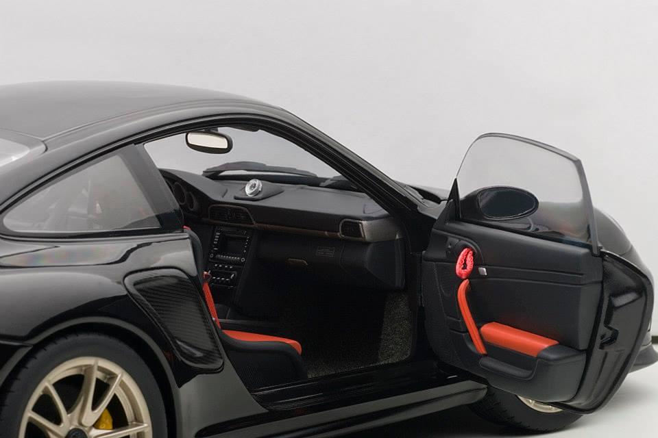 autoart porsche 911 997 gt2 rs black 77962 in 1 18 scale mdiecast. Black Bedroom Furniture Sets. Home Design Ideas
