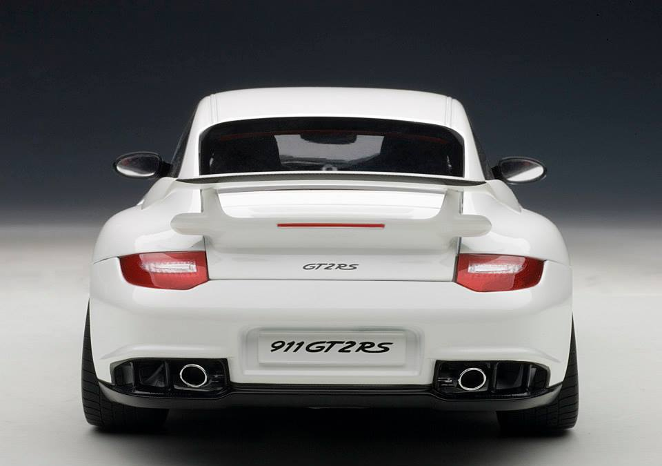 AUTOart: Porsche 911 (997) GT2 RS - White (77963) in 1:18 scale - mDiecast
