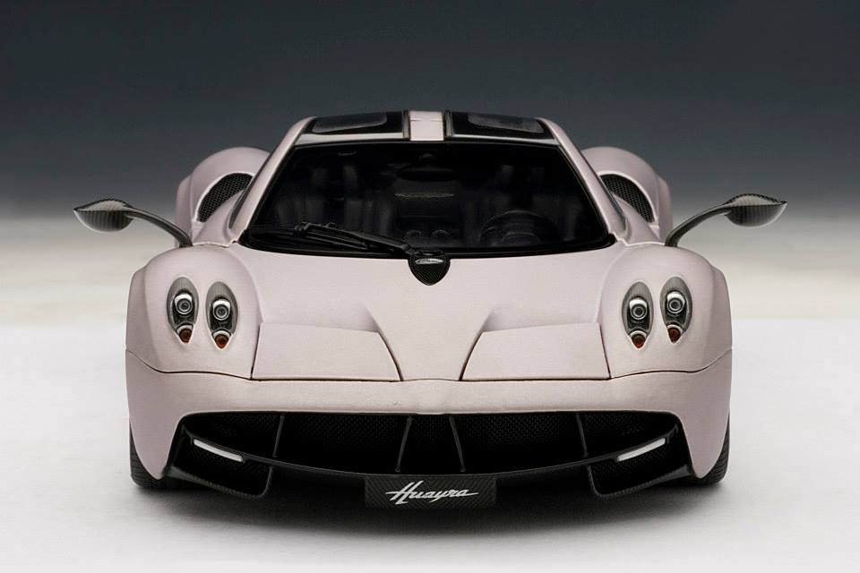 AUTOart: 2011 Pagani Huayra - Grey (78266) in 1:18 scale