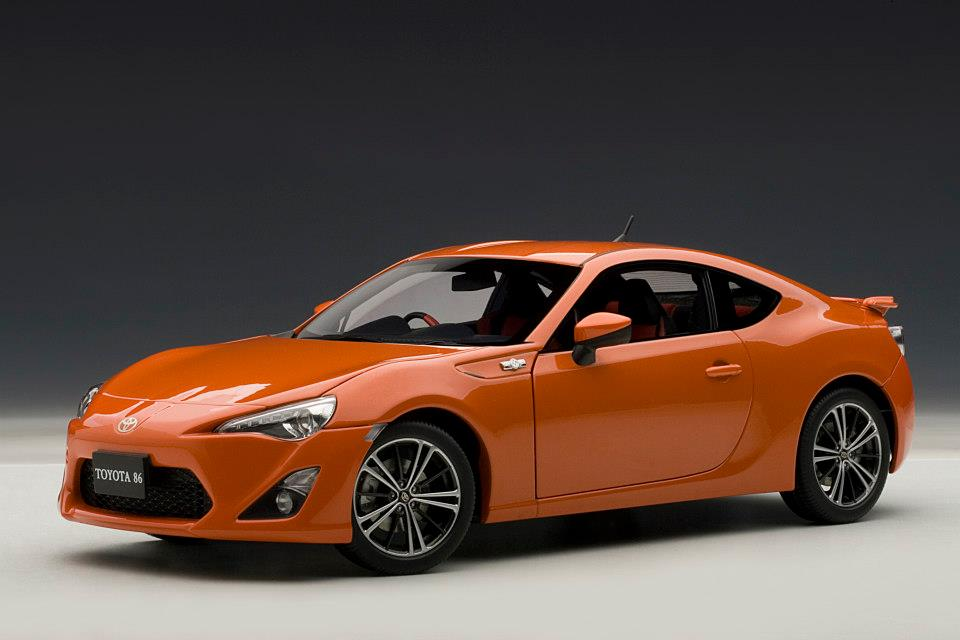 AUTOart: Toyota GT86 Asian Version (RHD) - Orange Metallic (78771) in 1:18 scale - mDiecast
