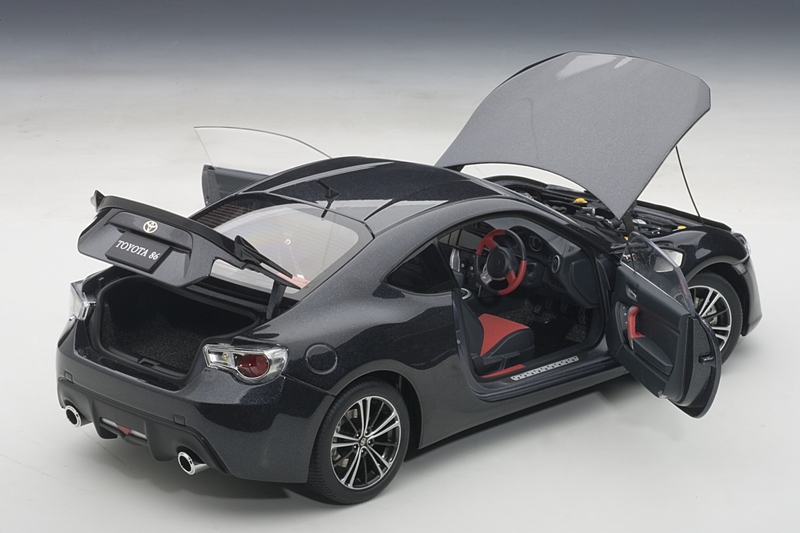 AUTOart: Toyota GT86 Asian Version (RHD) - Gray Metallic (78772) in 1:18 scale
