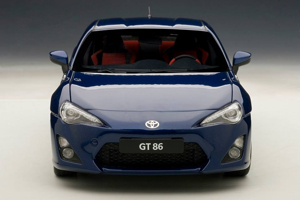 AUTOart: Toyota GT86 European Version (LHD) - Blue Silica (78775) in 1:18 scale